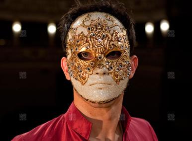 Bill: Tom Cruise's mask in Eyes Wide Shut